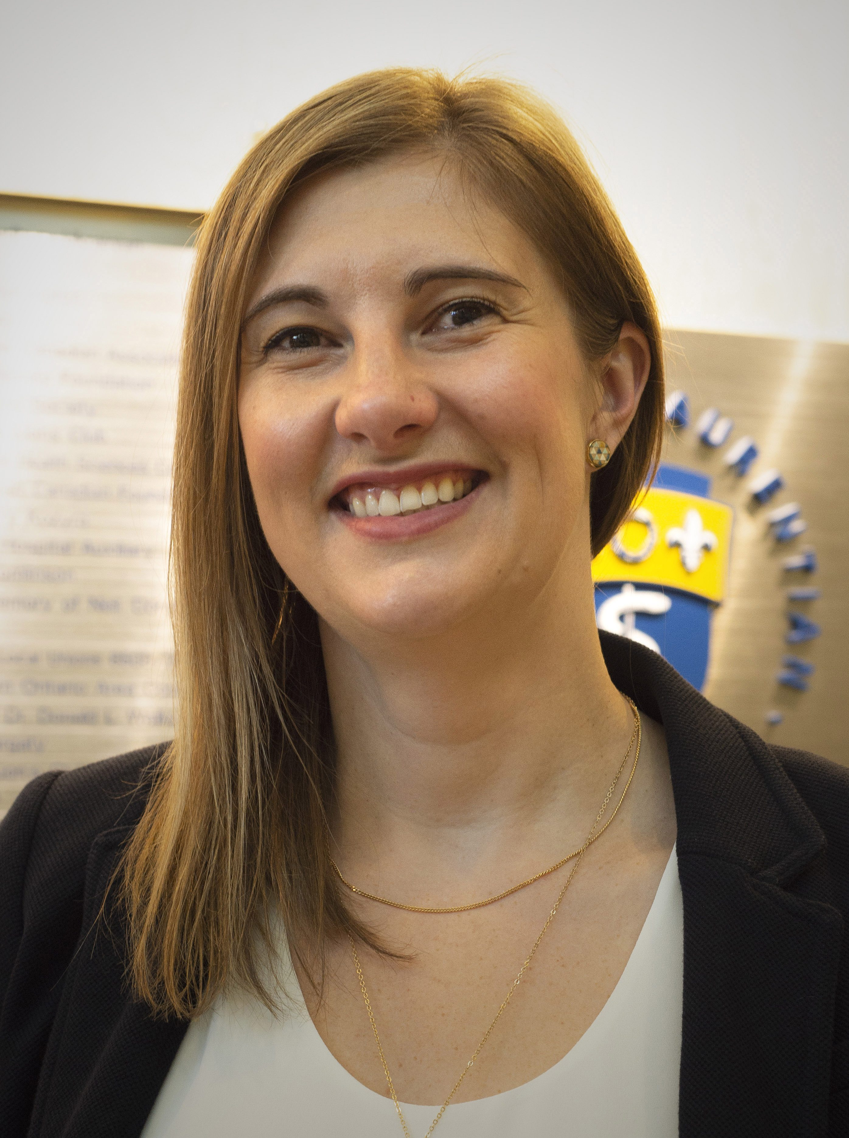 Photo of Dr. Rya Boscariol
